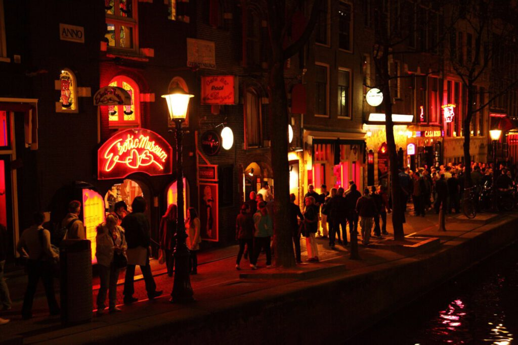 Picture-of-Amsterdam-Red-Light-District