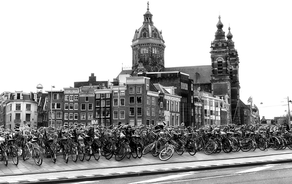 amsterdam expats million