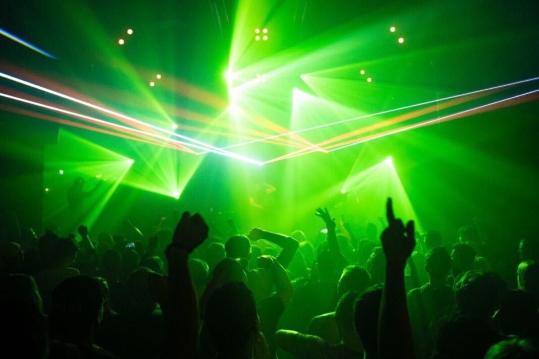 Photo-of-people-dancing-in-club