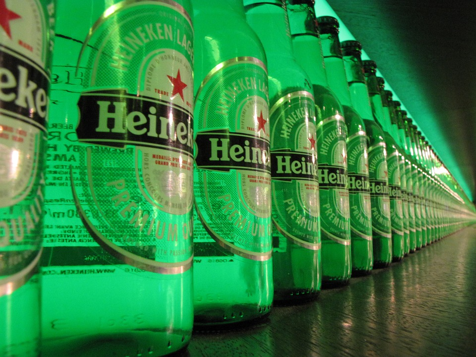 Beer? Anyone? Heineken will soon be able to deliver cold beers to your doorstep – DutchReview