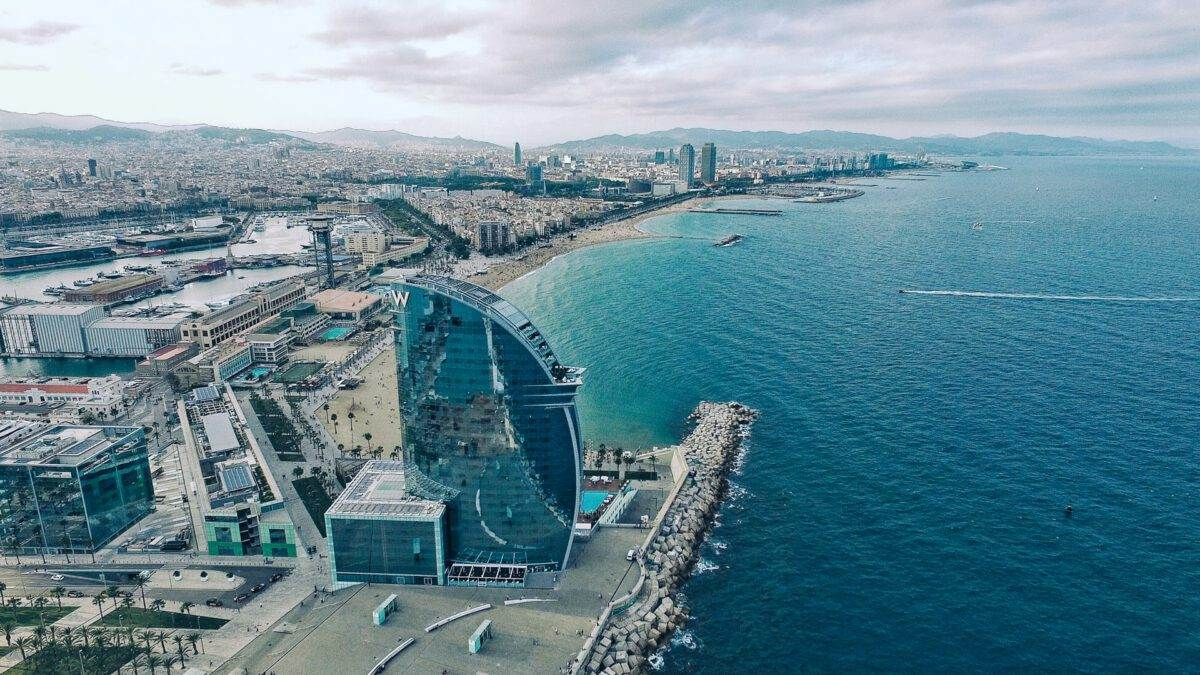 photo-of-the-beach-in-barcelona