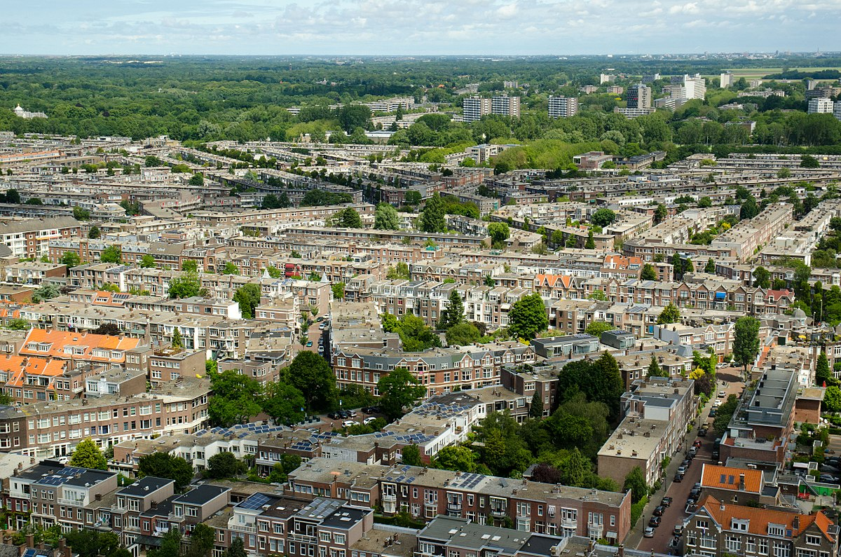 where to live in the Hague