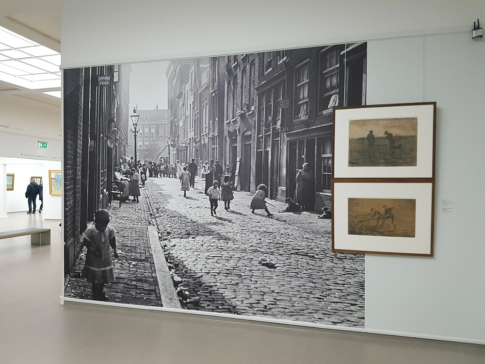 These enormous pics of turn of the century rotterdam really captivating