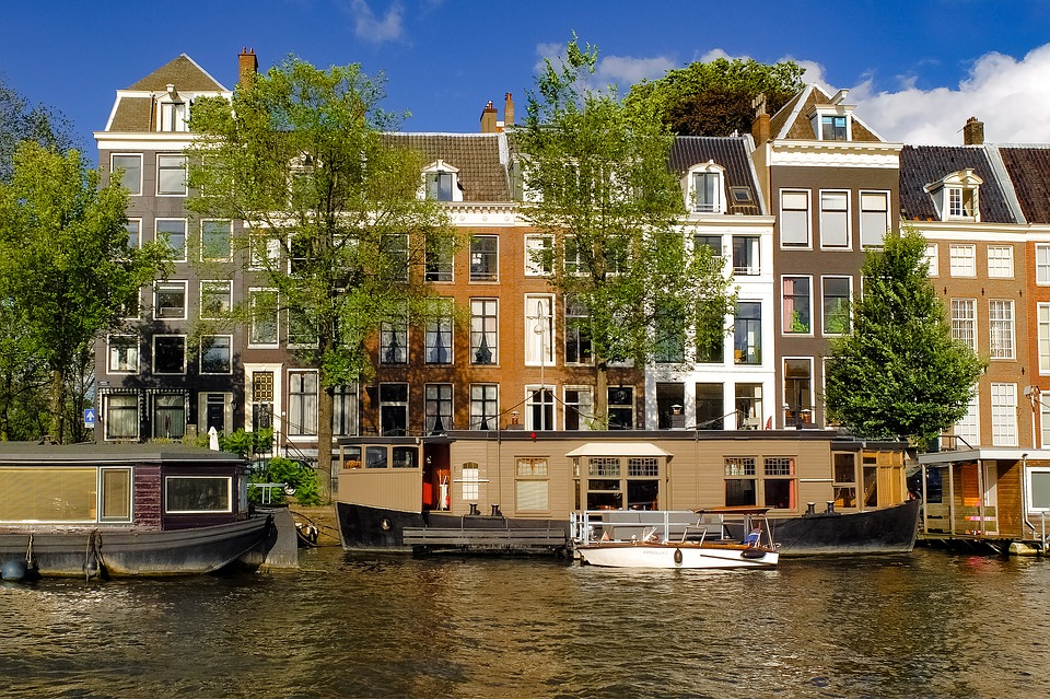 buy or rent a house in asmsterdam