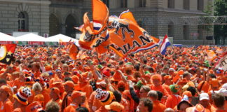 dutch-fans-supporters-netherlands-orange