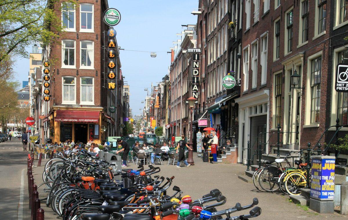 Dutch customs and etiquette