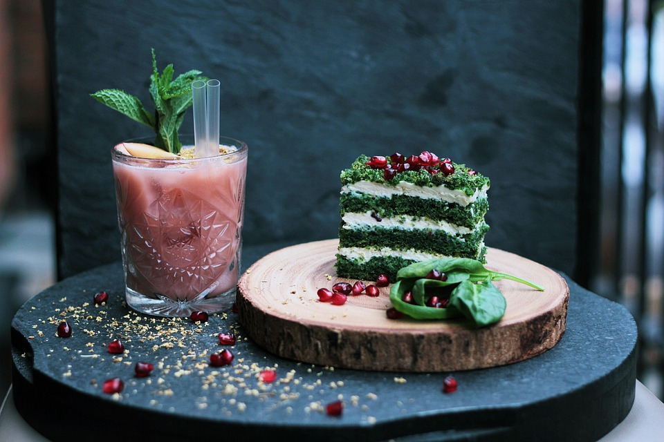 edibles, cocktail and cake