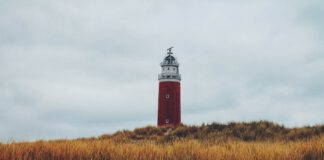 photo-of-a-lighthouse-on-texel