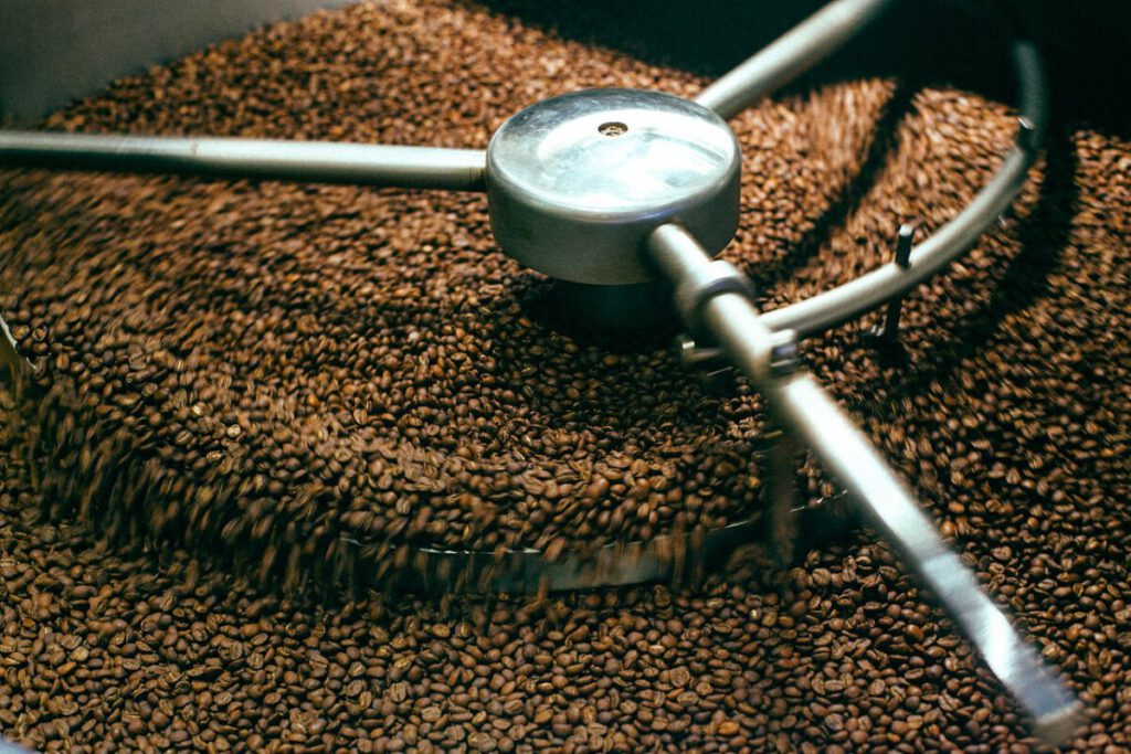 photo-coffee-beans-roasting-in-dutch-fairtrade-proceess