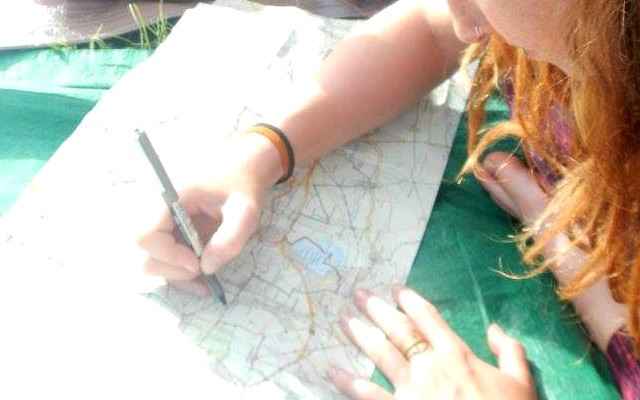 figuring out a route… picture credit: Ruth Atkinson