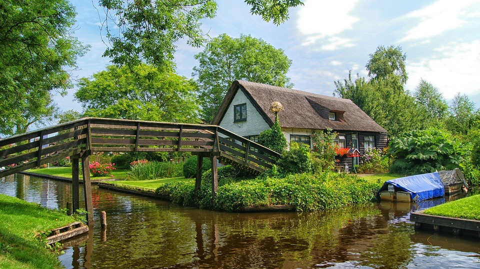 7 beautiful Dutch towns in the Netherlands (that aren't