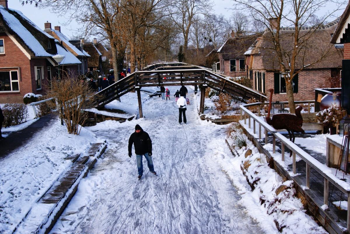 giethoorn, ice skating, winter
