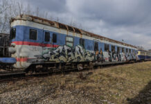 picture-of-train-with-sprayed-graffiti
