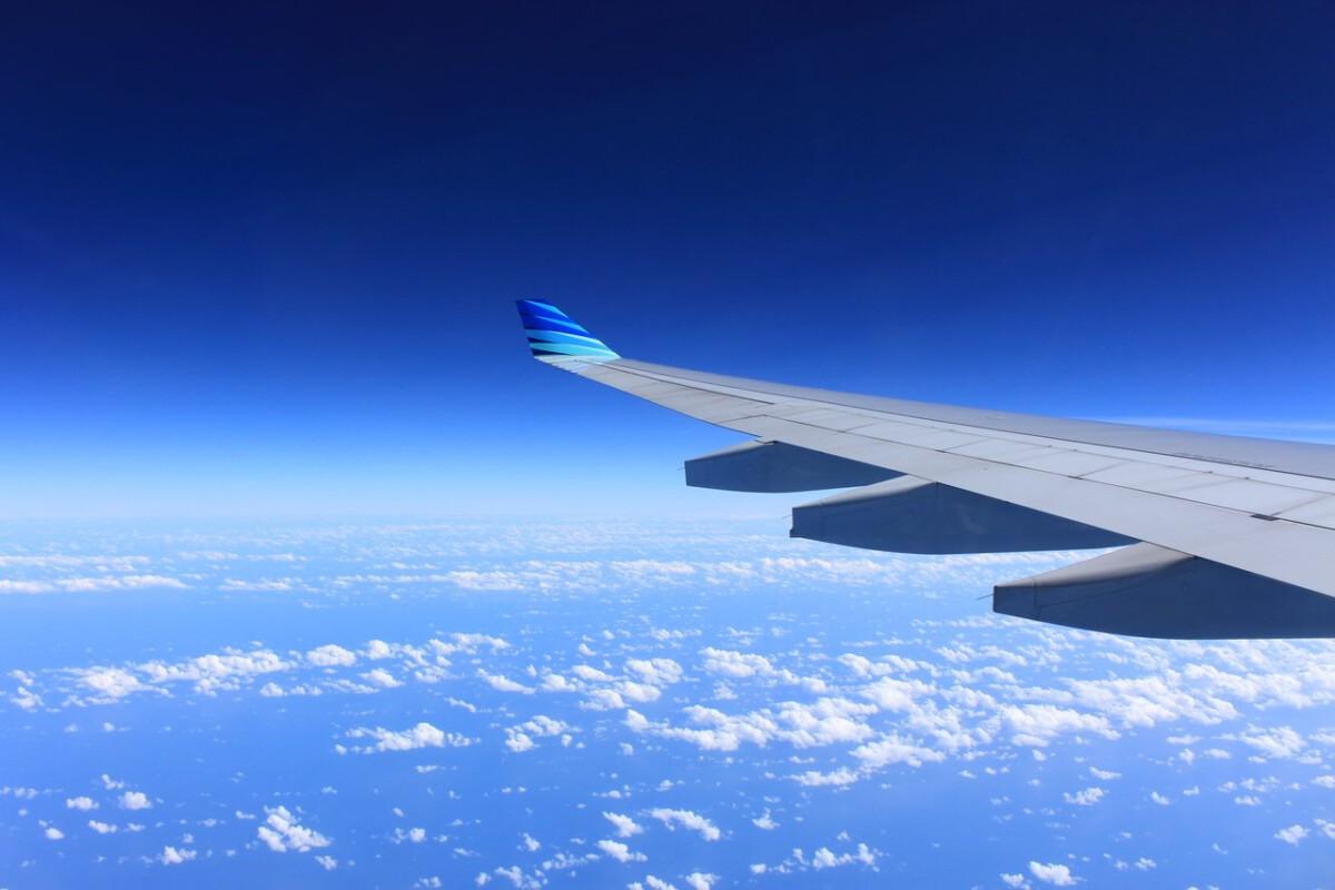 flight-holiday-plane