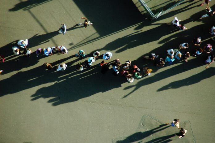 Photo-of-people-queueing-things-Dutch-people-suck-at