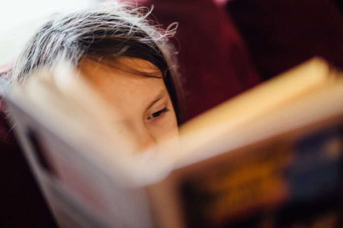 Photo-of-child-reading