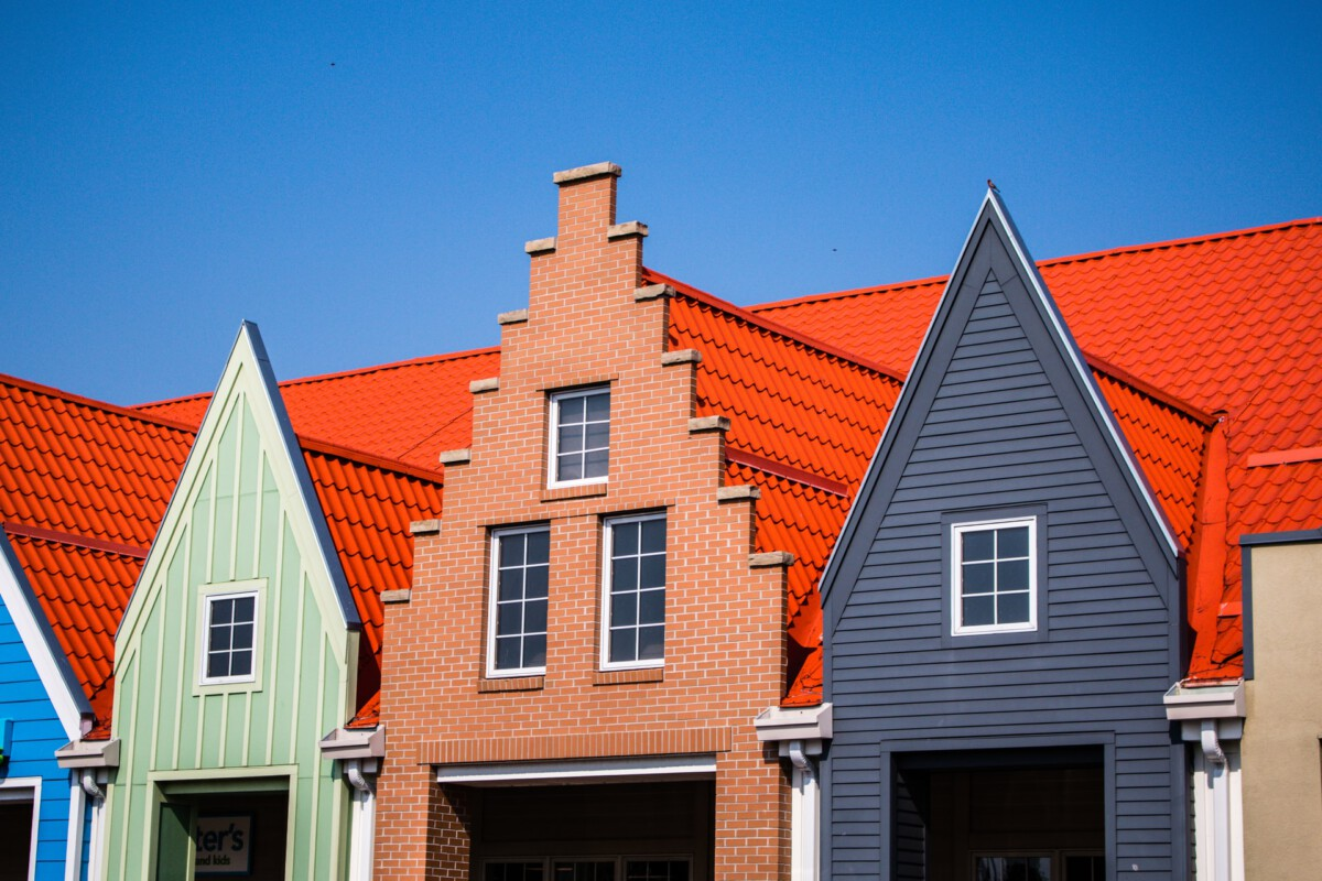 Photo-of-houses-Holland-Michigan