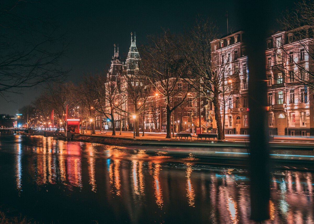 photo-of-amsterdam-in-the-winter