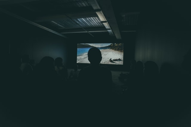 People-watching-a-film-at-Leiden-Shorts-film-festival