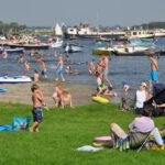 Kagerplassen-lake-beach-play