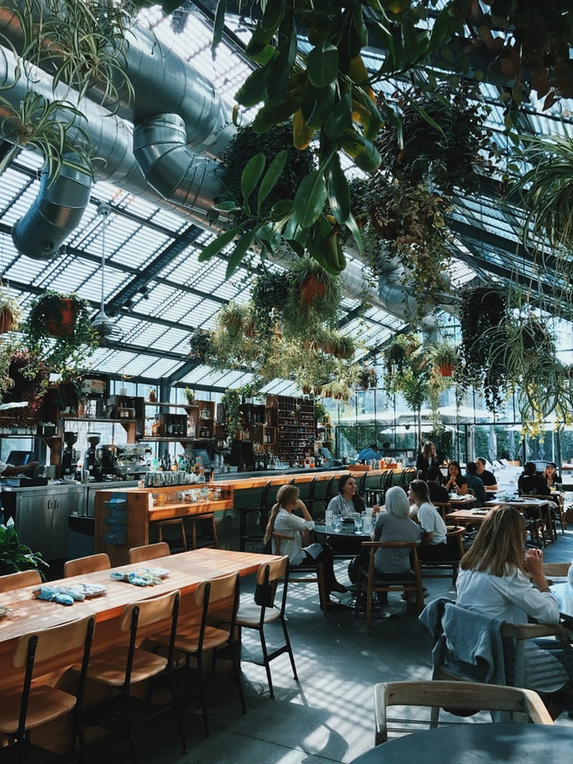 Restaurants-across-the-Netherlands-close-their-doors-as-so-many-staff-in-quarantine
