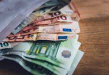 photo-of-euro-bills-in-envelope