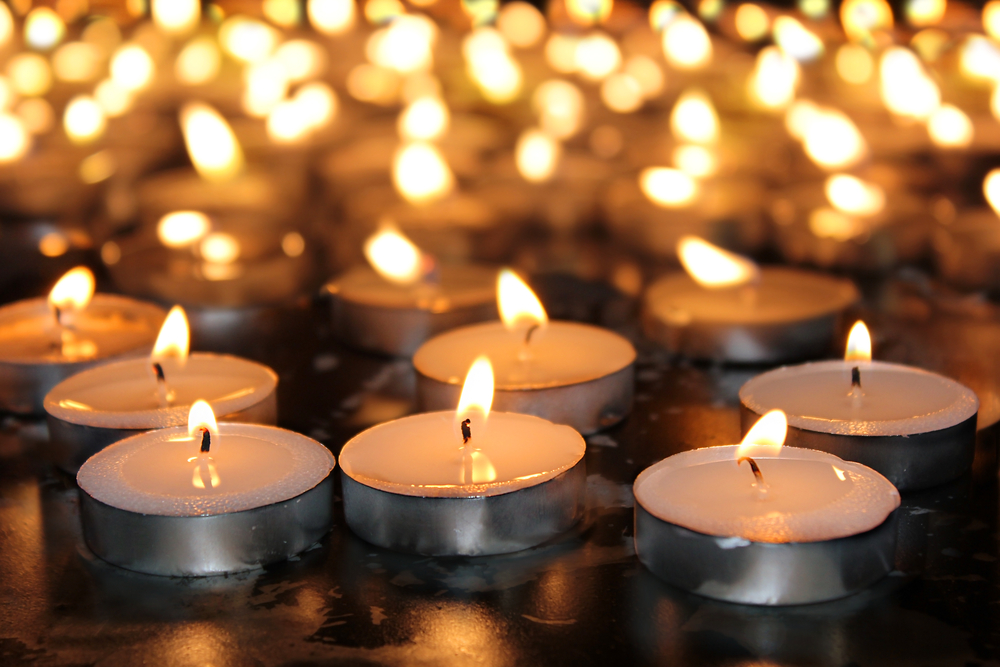 a-picture-of-memorial-candles