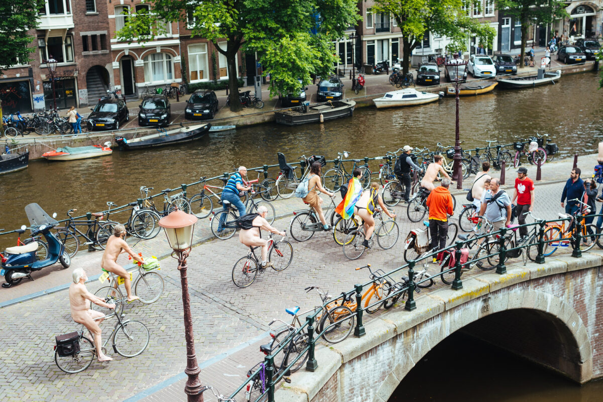 photo-of-naked-bike-ride-in-amsterdam