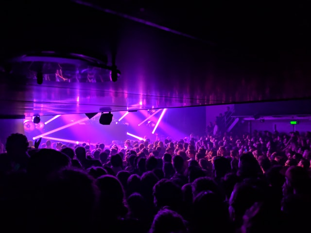 Possible-new-restrictrictions-being-put-in-place-in-the-Netherlands-after-spike-in-coronavirus-infections-after-opening-of-night-clubs