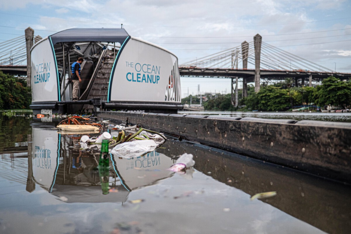 ocean-cleanups-interceptor-removing-plastic-pollution-from-a-river