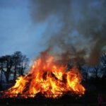 one-day-trips-to-the-north-of-the-netherlands-easter-fires
