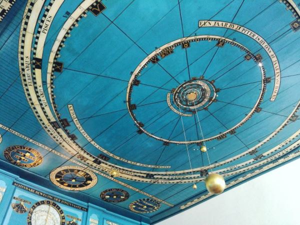 photo-orrery-in-the-royal-eise-eisenga-planetarium-in-franeker-friesland