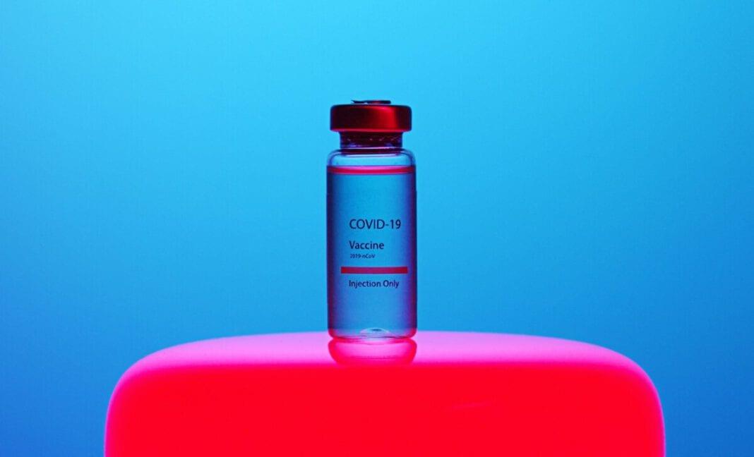 covid-coronavirus-vacciantion-vial