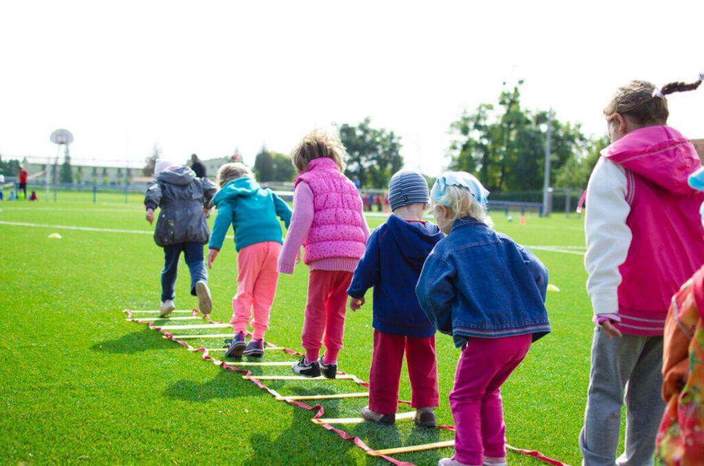 Photo-of-children-playing-in-Dutch-primary-school