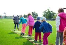 Photo-of-children-playing-in-Dutch-primary-school