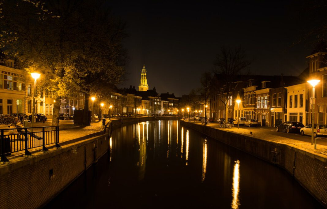 photo-of-an-empty-street-in-the-netherlands