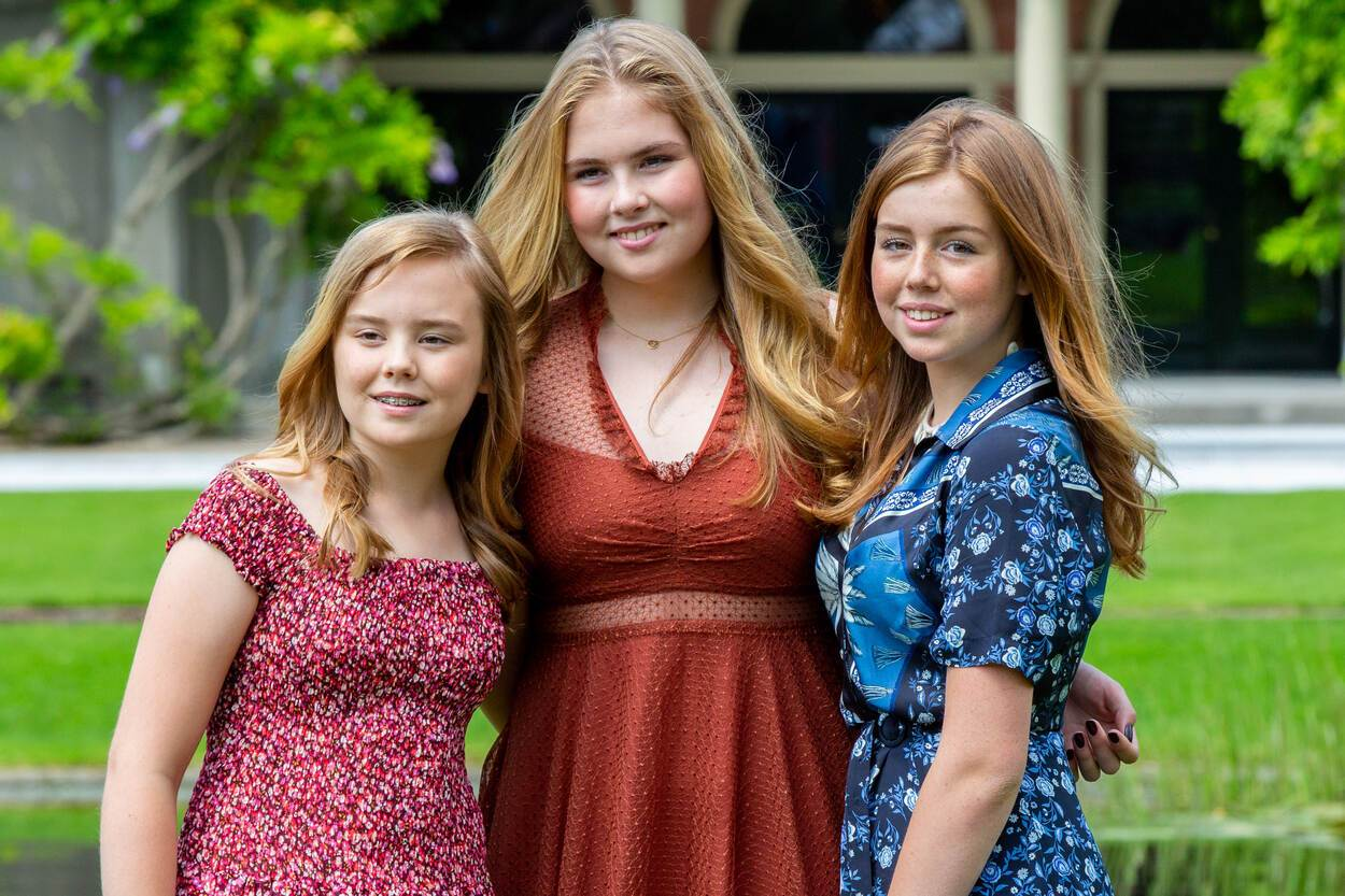 Dutch-Pricness-Amalia-and-her-sisters