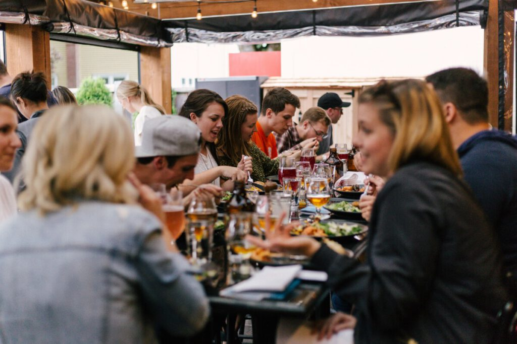Photo-of-people-eating