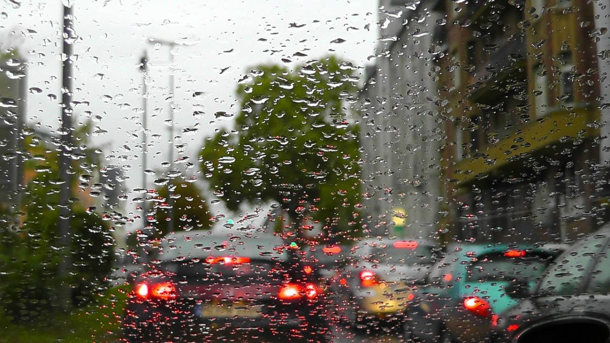 Rain_Traffic_Jam_Holger Schué_Pixabay