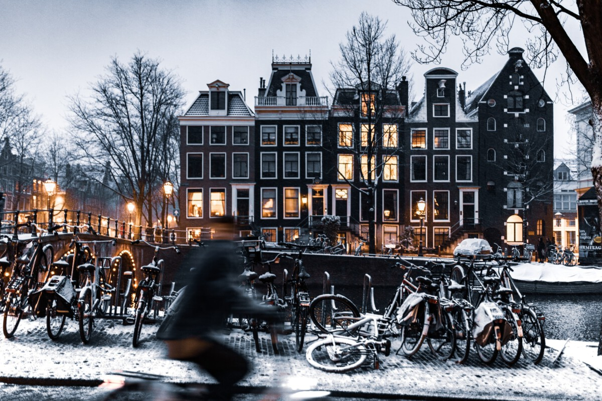 photo-of-snow-in-amsterdam
