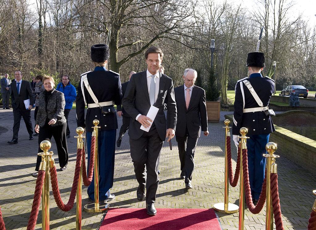 mark-rutte-prime-minister-walking-red-carpet