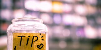 photo-of-tip-jar-on-counter-in-amsterdam-netherlands