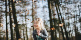 Autumn leaves child