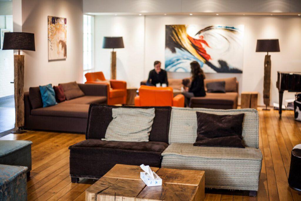 lounge-room-at-U-center