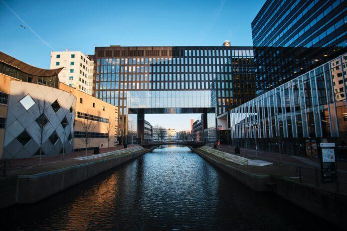 university-of-amsterdam-building