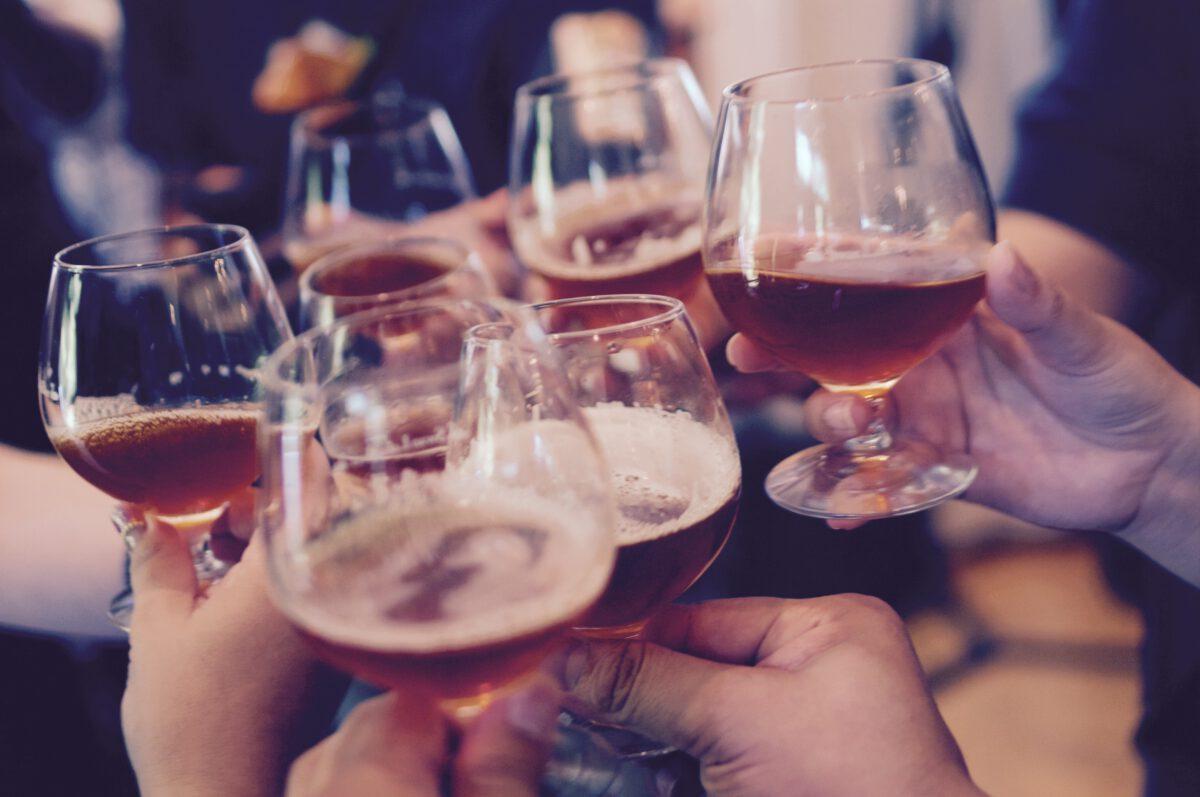 cheers - borrelen